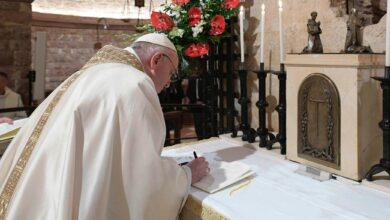 Photo of Demanda el Papa Francisco acabar con el dogma del Neoliberalismo e insta a la Fraternidad en palabras y hechos en todo el mundo…